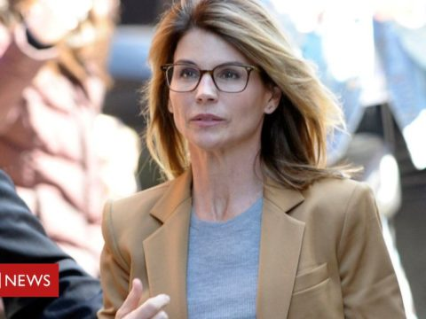Lori Loughlin: US actress to plead guilty at school dishonest rip-off